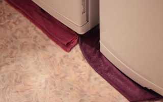 Почему течет холодильник снизу и внутри: причины и что делать