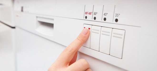 Сколько воды тратит посудомоечная машина: от чего зависит расход